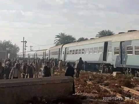 """""""عاجل:خروج قطار ١٥٧ مميز من القضبان بقنا"""""""