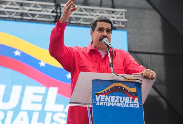 """Maduro a carnetizados: Esto es """"dando y dando"""" yo los apoyo y ustedes votan"""