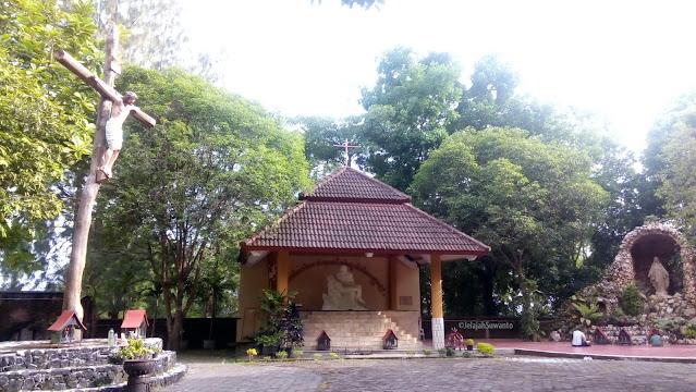 Kompleks Peziarahan Salib Suci Gunung Sempu; Salib Suci, Pieta dan Gua Maria Bunda Kerahiman ©JelajahSuwanto