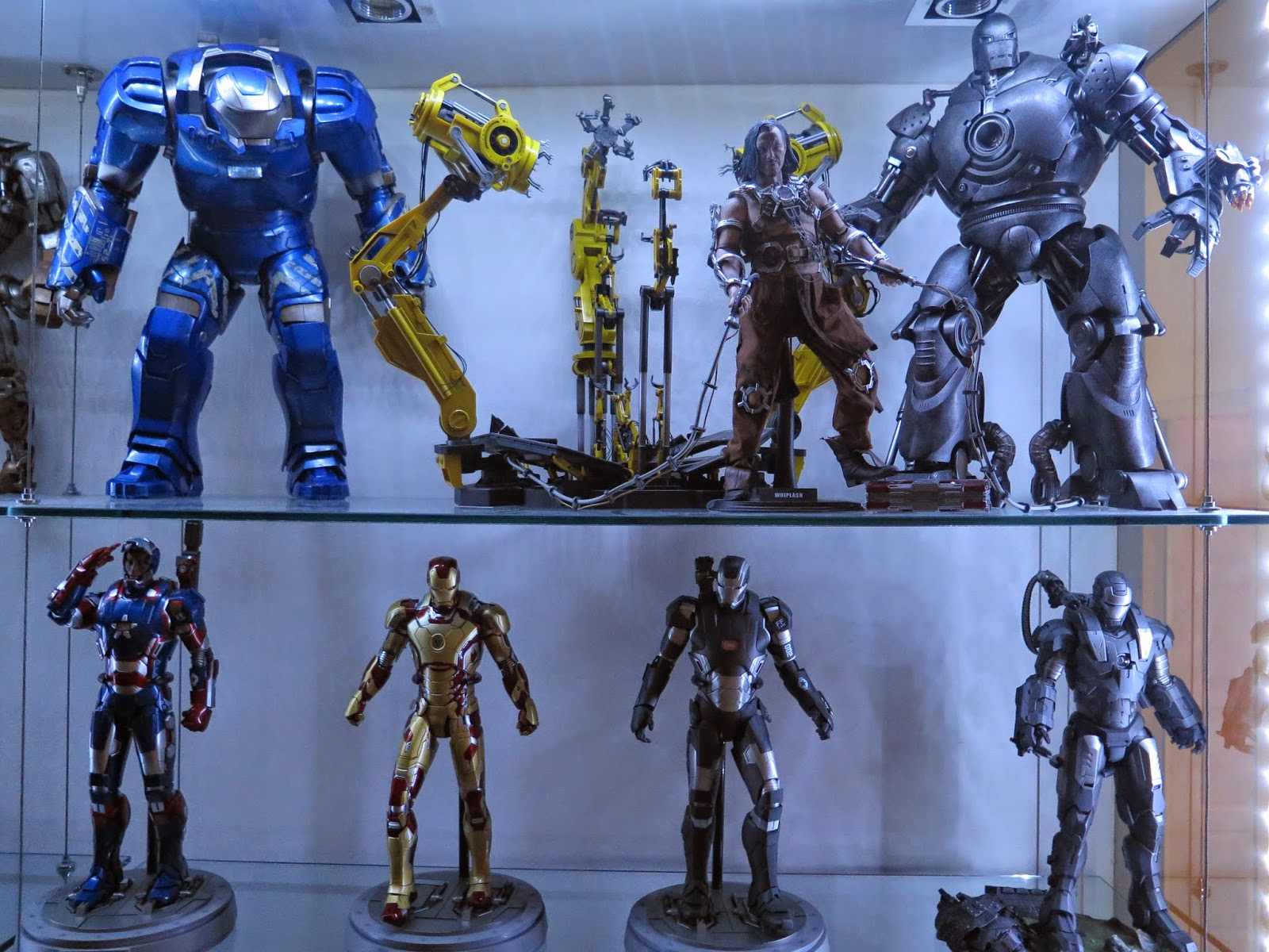 My Hot Toys Collection Photography Iron Man Mark 25 Striker Durability In This Humid Country Wont Keep Them Long Lasting Still The Is Best Even 1st Version Iii Looking Good To Me