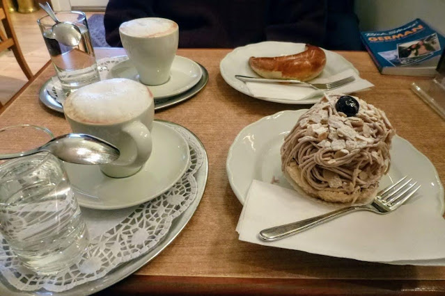 Vienna in December: chestnut cake
