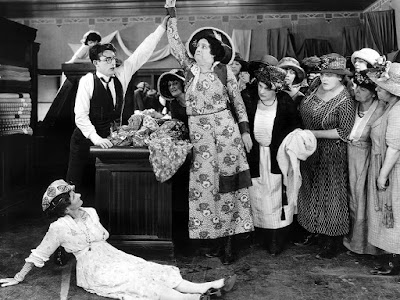Safety Last! - Harold Lloyd And Customers