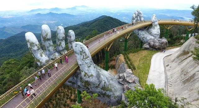 Beautiful photographic angles on the Danang Golden Bridge