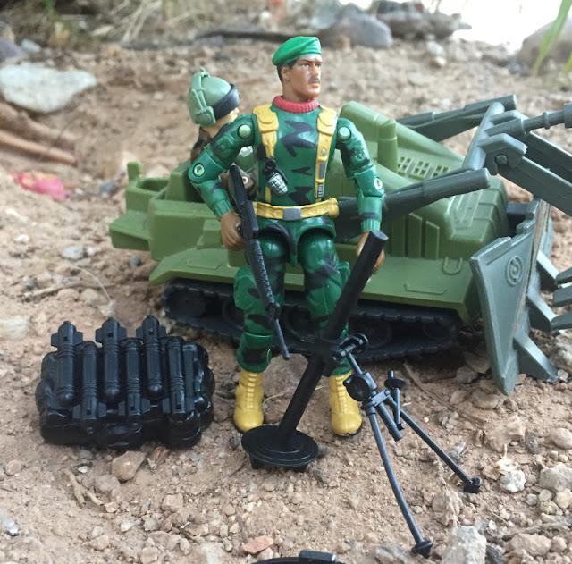 2005 Comic Pack Stalker, 1984 Thunder, 1985 Bomb Disposal
