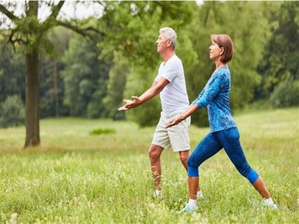 دراسة: خمس عادات تزيد العمر وتقي من الأمراض