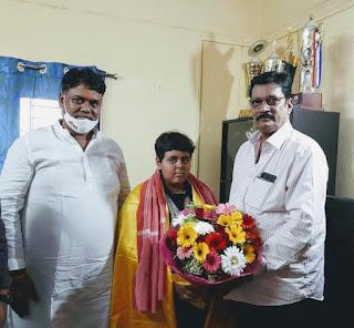 आजमगढ़ की दिव्यांग चैंपियन तैराक जिया का परिश्रम ने किया अभिनंदन  | #NayaSaberaNetwork