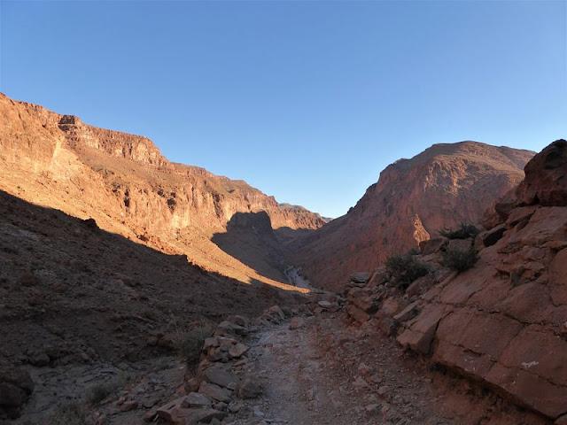 panorama dal sentiero nelle gole di todra