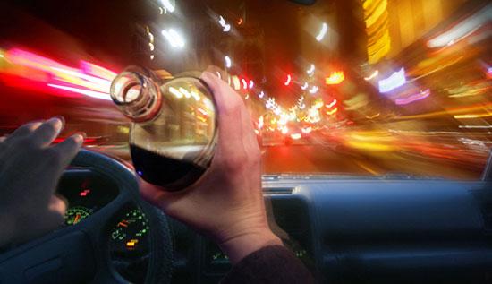 CURSĂ DEMENTĂ pe AUTOSTRADA SOARELUI. Șoferul NU AVEA PERMIS și era aproape de COMĂ ALCOOLICĂ