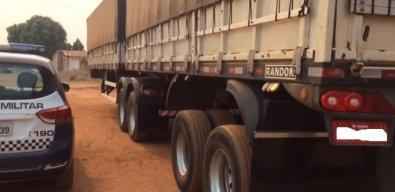 PM acha caminhão roubado com carga no Distrito de Currupira em Barra do Bugres