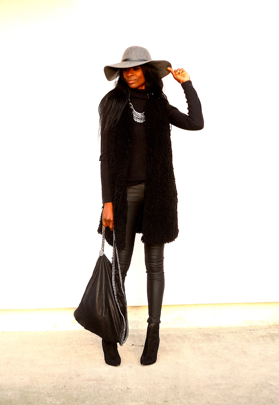 style-blog-falabella-stella-mccartney-gilet-fourrure-zara-capeline-hm-legging-cuir-look-boheme