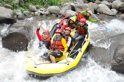 rafting di pacet, http://outboundmalangjatim.blogspot.com/, 085 755 059 965