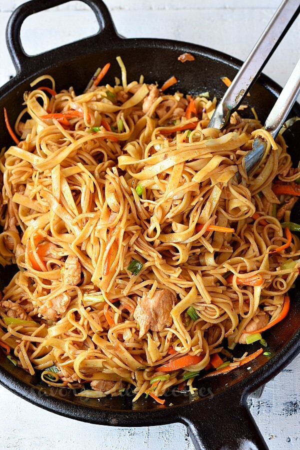 Make This Spicy Chicken Noodle Stir Fry Savory Bites Recipes A Food Blog With Quick And Easy Recipes