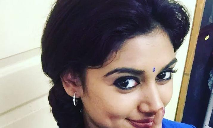 Deepavali is the super special for the Oviya fans
