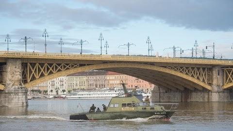 Hajóbaleset: a helyszínen járt a dél-korai küldöttség, szigorú vizsgálatot kért Orbán Viktor