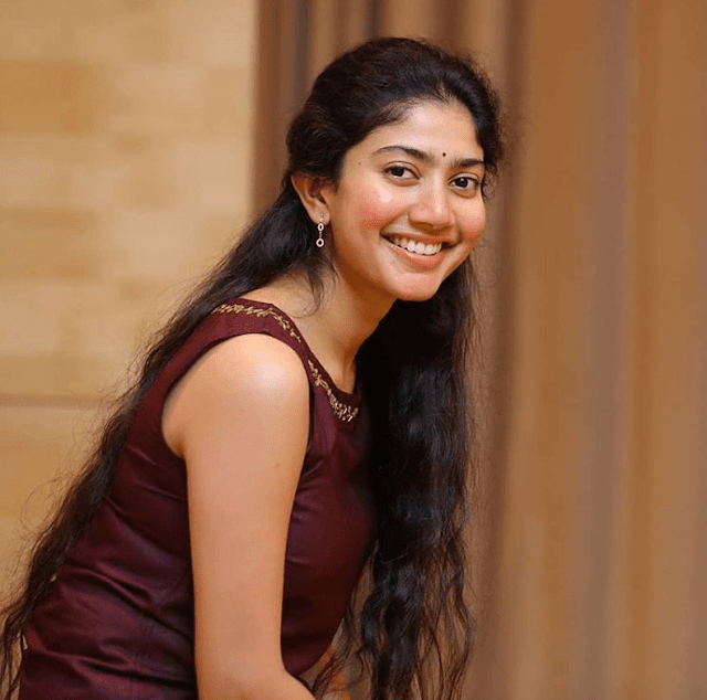 Sai Pallavi - Biography, Wiki, Age, Height, Weight, Family, Education, Movies, Facts, Boyfriend or Husband, Affairs, Social Media, Net Worth More