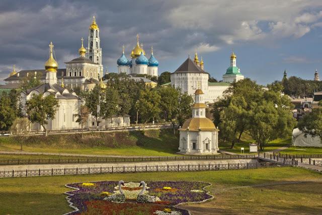 El Monasterio de Sergiev Posad lugar de peregrinaje para los ortodoxos. Iglesia Ortodoxa, Anillo de Oro, Sergiev Posad, turismo
