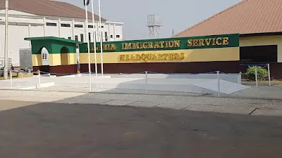 Breaking news, SD News Blog, Just In: Nigeria Immigration Service Gets New Head as CG Babandede Bows Out after
