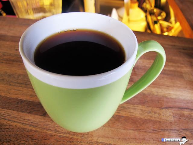 IMG 0417 - 【台中咖啡】教師新村內的轉角咖啡廳 | 前廊咖啡 | 以平價的價格帶給你美味的咖啡饗宴 | 單品咖啡 | 教師新村 | 台中美食 | 台中飲品