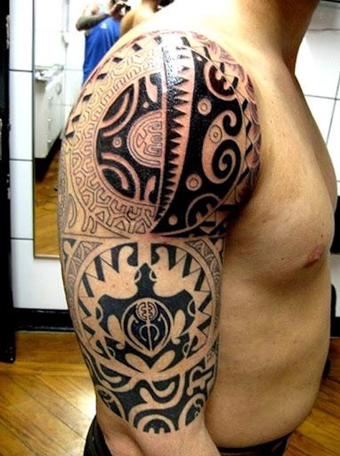De bíceps e ombro de tinta