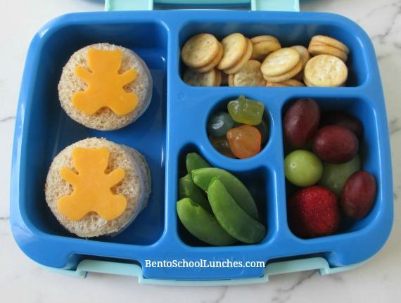 Bears on circle sandwiches school lunch in leak proof Bentgo lunchbox