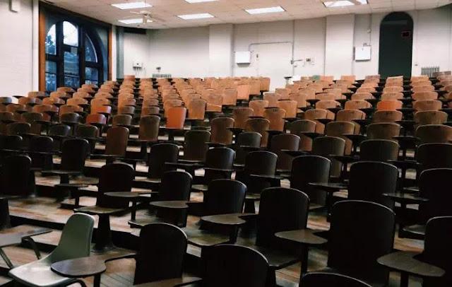 Perbedaan Konferensi dan Seminar