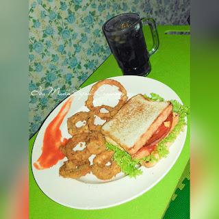 sandwich dan onion ring
