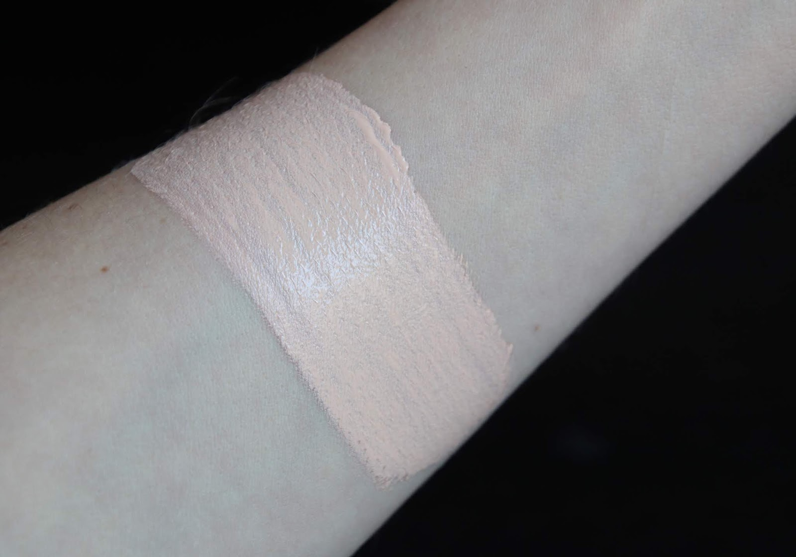 Givenchy Teint Couture Everwear P 100  swatch