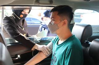 Buka Gerai Layanan Drive Thru Vaksin Covid, Polres Pelabuhan Makassar Mempercepat Vaksinasi