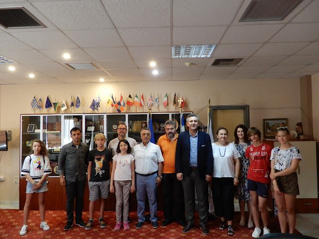 Άρτα: Αντιπροσωπείες Μαθητών Και Εκπαιδευτικών Από Τρεις Χώρες Επισκέφθηκαν Το Δημαρχείο Άρτας