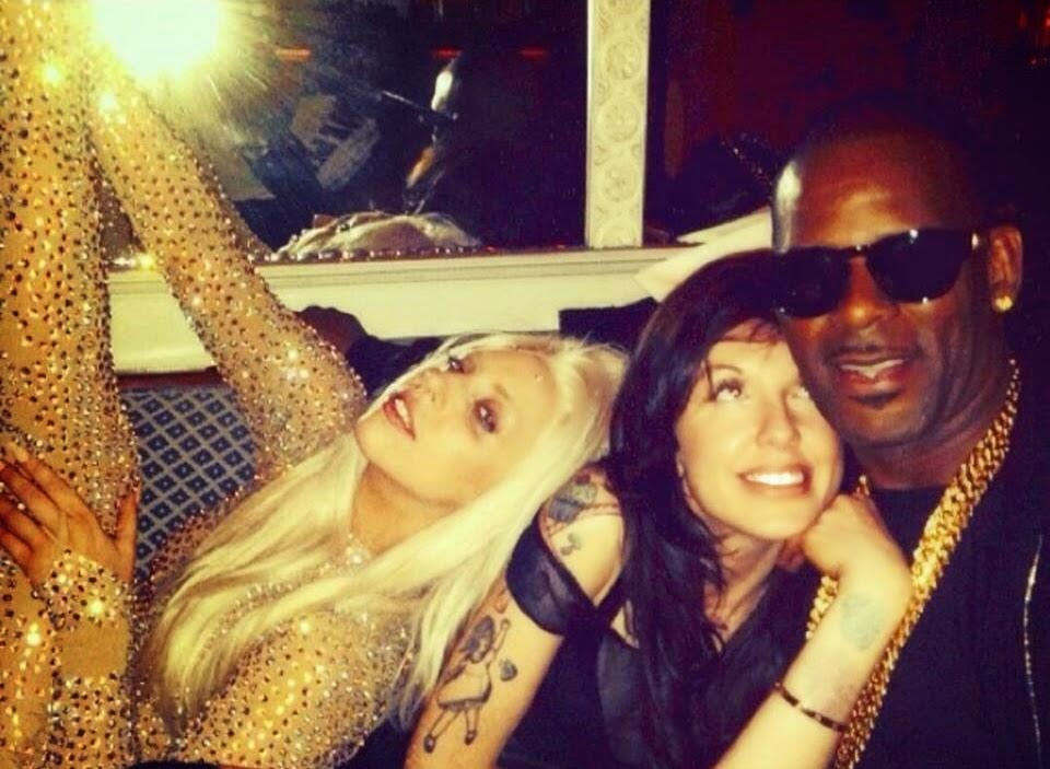Lady+Gaga,+Tara+&+R.+Kelly+(2013).jpg