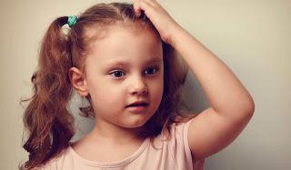 طرق آمنة لعلاج تساقط الشعر عند الأطفال 2019