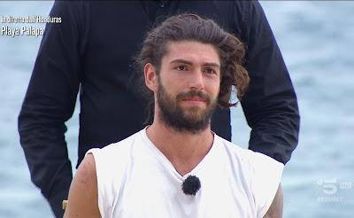 Ignazio Moser prima con barba capelli lunghi Isola dei famosi