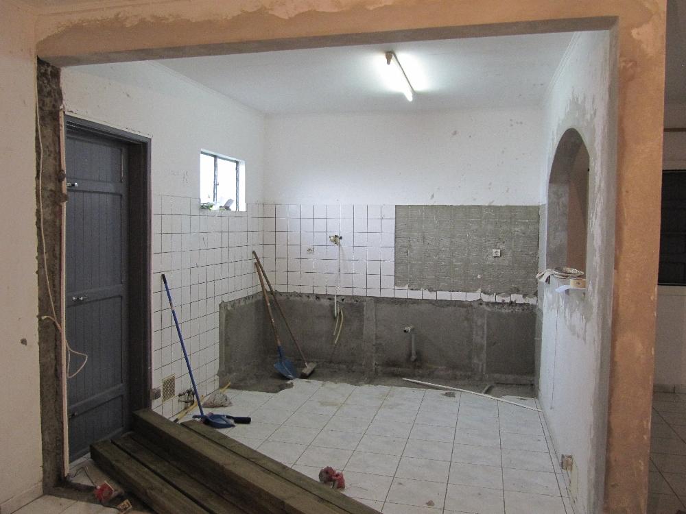 travaux de notre case la r union destruction de la cuisine et des murs int rieurs. Black Bedroom Furniture Sets. Home Design Ideas