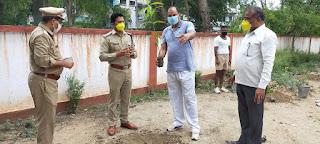 वन महोत्सव सप्ताह के अवसर पर पुलिस लाइन उरई में वृक्षारोपण किया -पुलिस अधीक्षक जालौन                                                                                                                                                       संवाददाता, Journalist Anil Prabhakar.                                                                                               www.upviral24.in