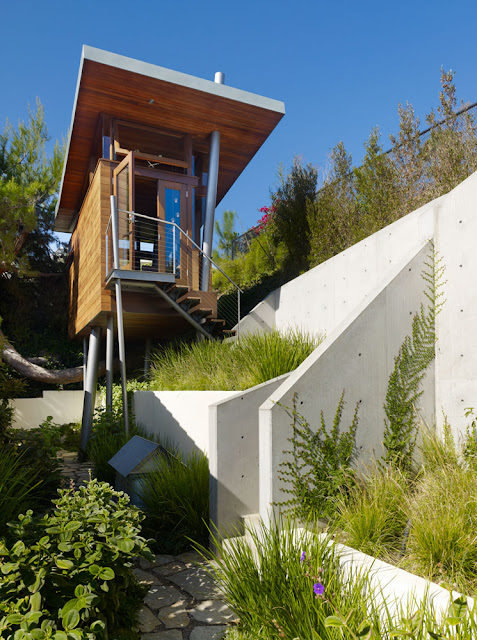 Beautiful modern treehouse design los angeles california for Beautiful modern houses in the world