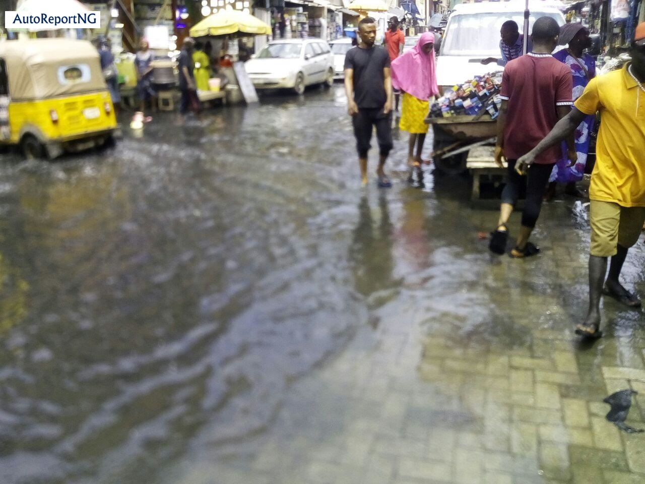 Flooded Jankara Market In Lagos Where Traders, Residents Wear Rain Boots To Work 3