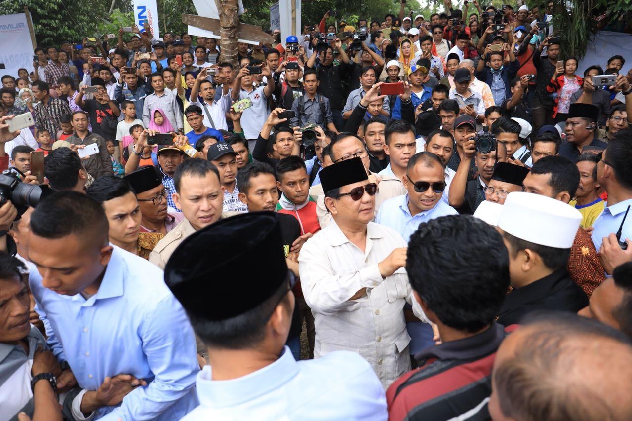 Polisi Sobek Buku Tamu Relawan Prabowo-Sandi, Ada Apa?