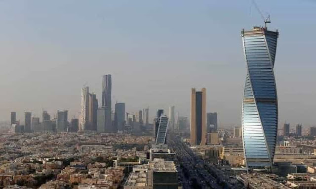 Saudi Arabia approves ban on cash dealings in Real Estate - Saudi-Expatriates.Com