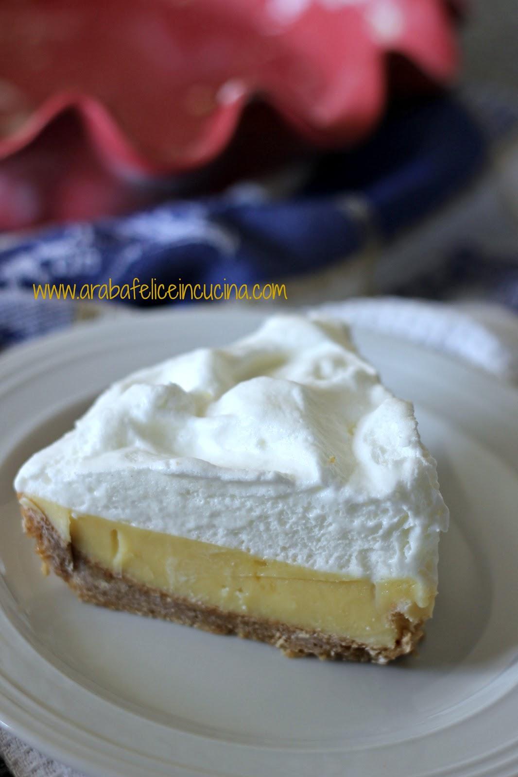 Torta al lime e latte condensato con panna meringata ...