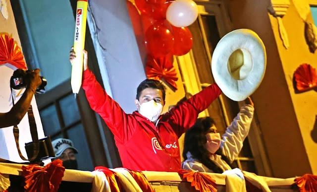 Pedro Castillo nuevo presiente del Perú