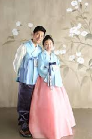 handbok dress On Seollal-The Lunar new year korea