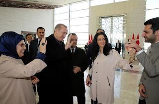 أردوغان يطلب يد ملكة جمال المغرب إيمان الباني (ملكة جمال المغرب).
