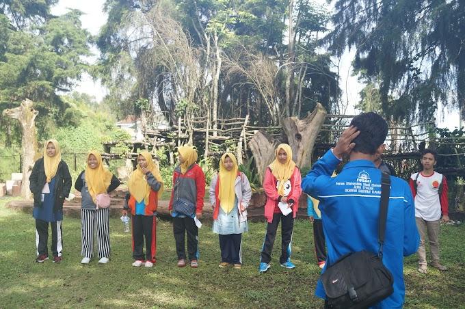 Hiking Bahasa Perkuat Skill Bahasa Asing Mahasiswa IPMAFA
