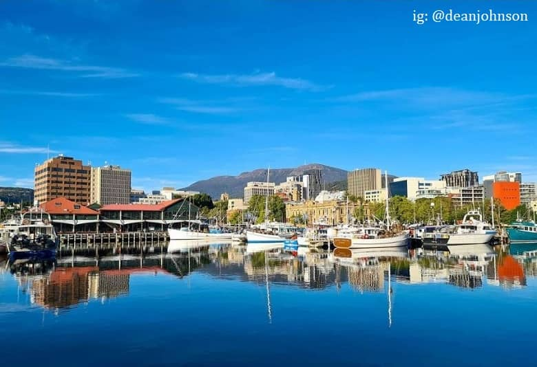 a picture of Hobart Harbour, with boats