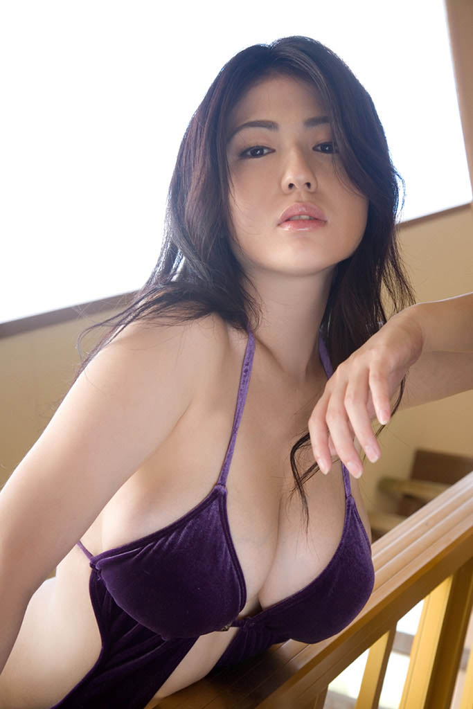 nonami takizawa hot bikini pics 01