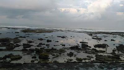 gugusan karang pantai karapyak
