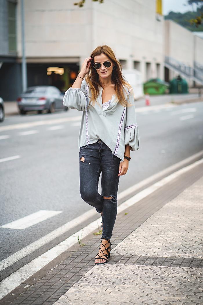 Jade Zarautz, Camisa Romantica, Lucía Díez, Personal Shopper, pantalón pitillo, look 2018, Camisa, escuestiondestilo
