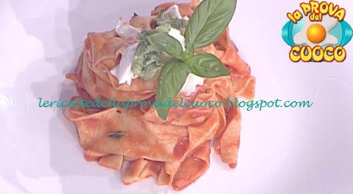 Prova del cuoco - Ingredienti e procedimento della ricetta Pasta pomodoro mozzarella e pesto di basilico di Ivano Ricchebono