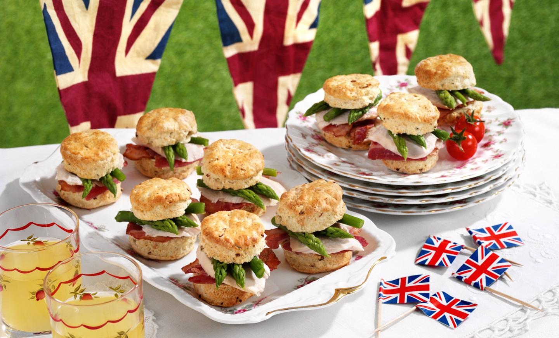 Sunday Lunch Scones: Queen's Birthday