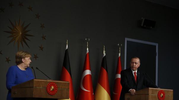 Ο Ερντογάν και οι... εντιμότατοι δημοκράτες των Βρυξελλών